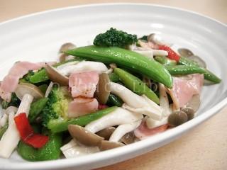 緑野菜のペペロンチーノ・調理例しめじ混ぜ